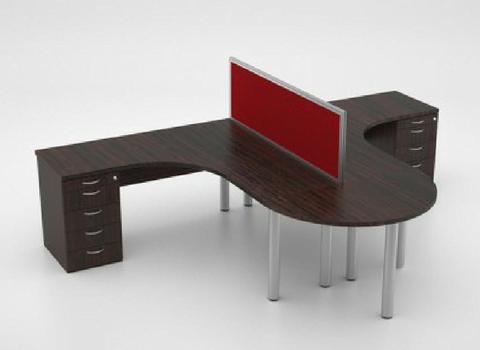 Leo cluster desk
