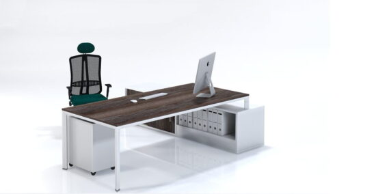 Trileg managerial workstation